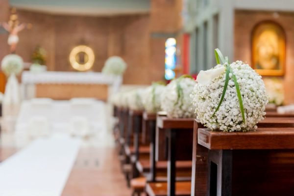 5-things-to-consider-for-hosting-weddings-in-your-church-facility